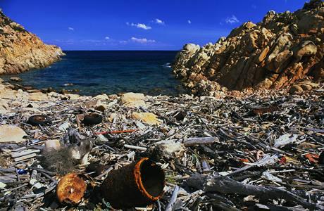 Plovoucí pás odpadků v Tichém oceánu